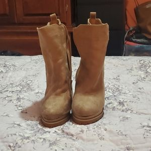 New suede tan boot